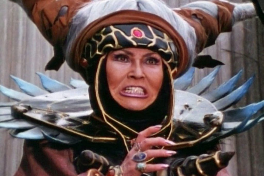 elizabeth-banks-looks-totally-wicked-as-rita-repulsa-in-on-set-power-rangers-photos-951675